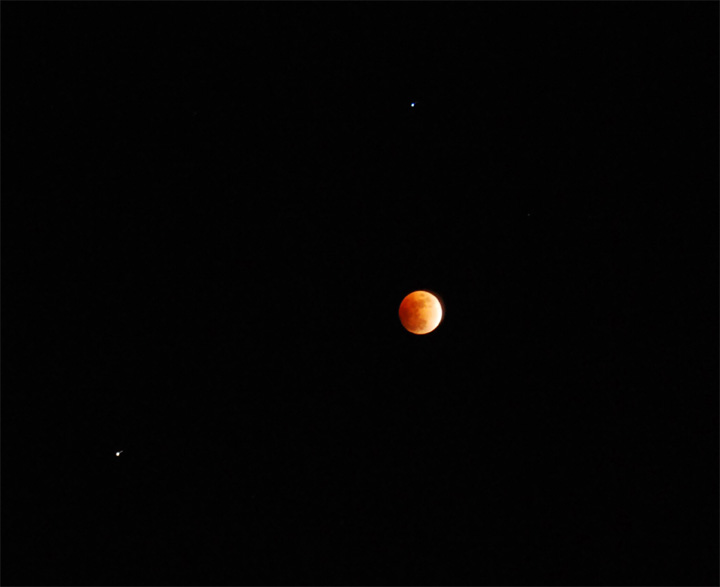 lunar eclipse from Lincoln MA 1017 PM EDT 2 20 08 Steve MacLellan